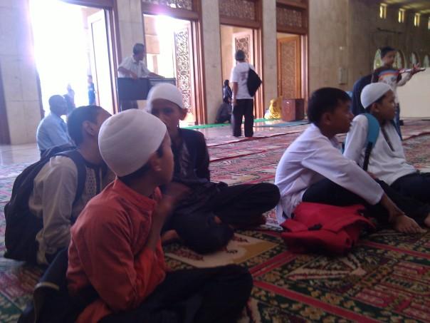 Silaturahmi ke Masjid Agung Kota Bandung